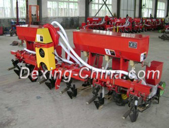 Air suction accurate seeder for Corn and Soybean